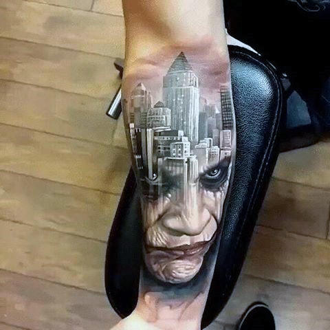 Mens Joke City Skyline Batman Bertema Tattoso