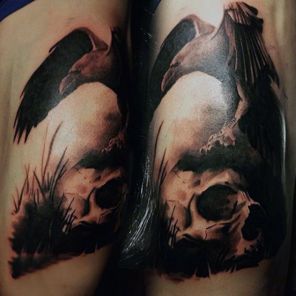 Guys Knær Brownish Raven And Skull Tattoo