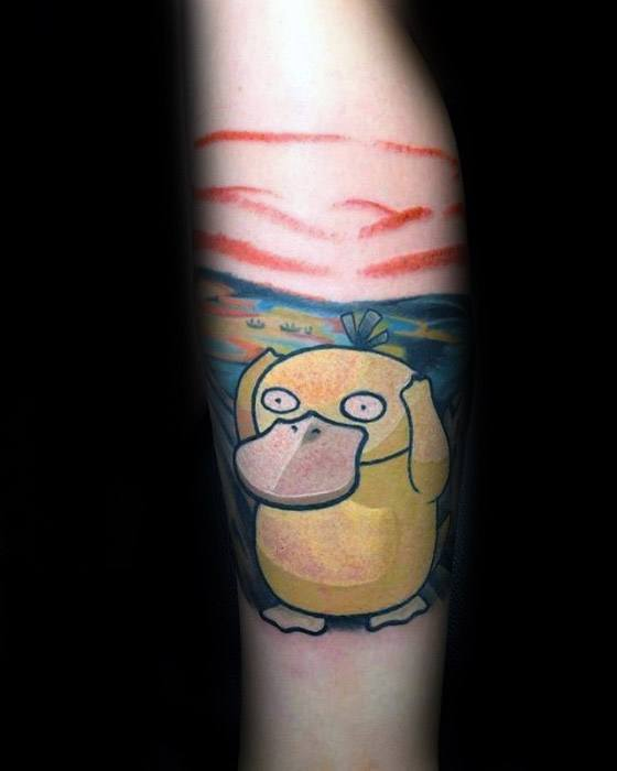 Man met coole Psyduck Tattoo Design