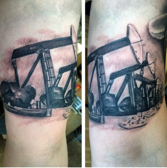 Realistisk Oilfield Pumpjack Mens Arm Tattoo