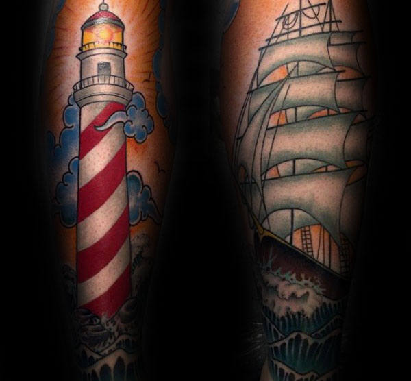 Guy With Tattoo Of Traditional Lighthouse Og Seilskip På Underarmer