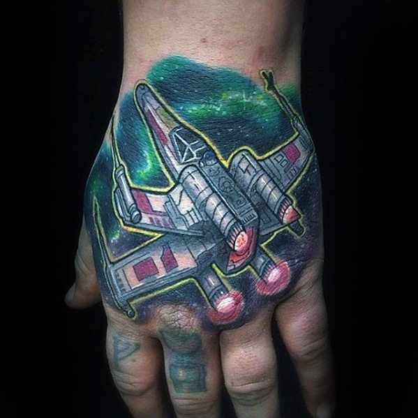 Tatuaggi a mano unici da uomo Space Craft