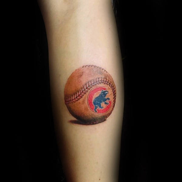 Gentleman mit Badass kleine Chicago Cubs Baseball 3d Bein Tattoo