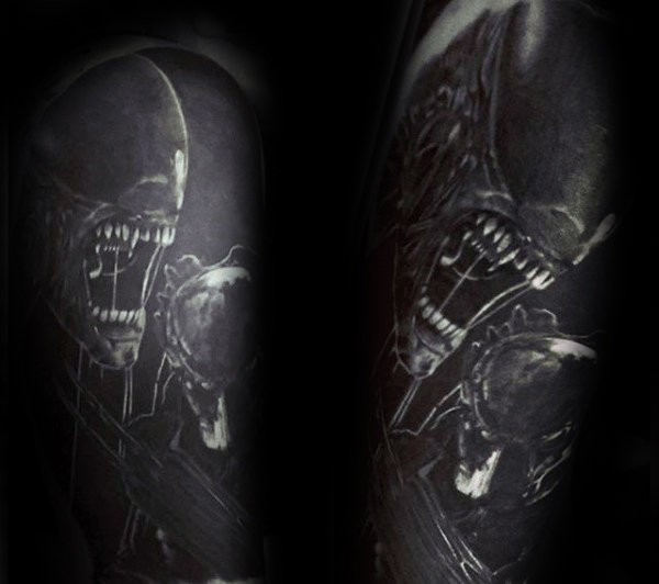 Insane Predator Realistisk Mens Dark Black And White Ink Half Sleeve Tattoos