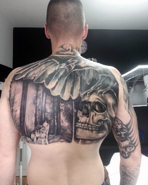 Mens Tatto Of Owl Wolf And Skull On Back Upper