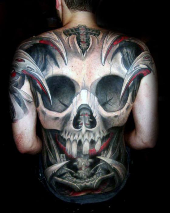 Full Back Badass Craniu Design Tattoo pe om