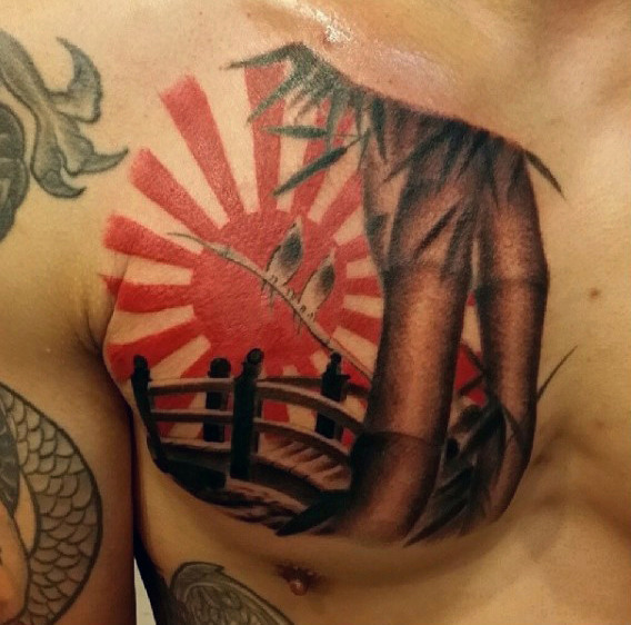 Guys Bamboo Rising Sun Bridge Tattoo sul torace superiore