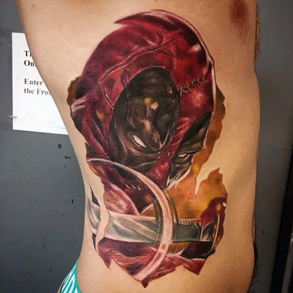 Lelaki Rib Cage Side Deadpool Sword Tattoo Designs