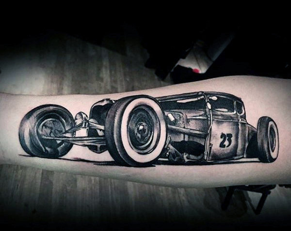 Graue Rennwagen Hot Rod Tattoo Male Forearms