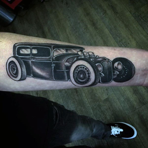 Wunderbare graue Auto Hot Tod Tattoo Male Forearms