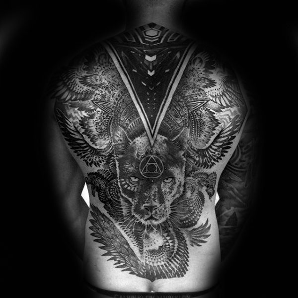 Full Back Factal Tattoo auf Gentleman