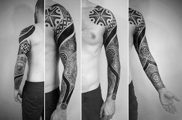 Full Sleeve Tattoo auf Mann mit Factal Design