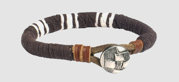 Cel mai bun barbat's Brown Leather Bracelet With Medallion