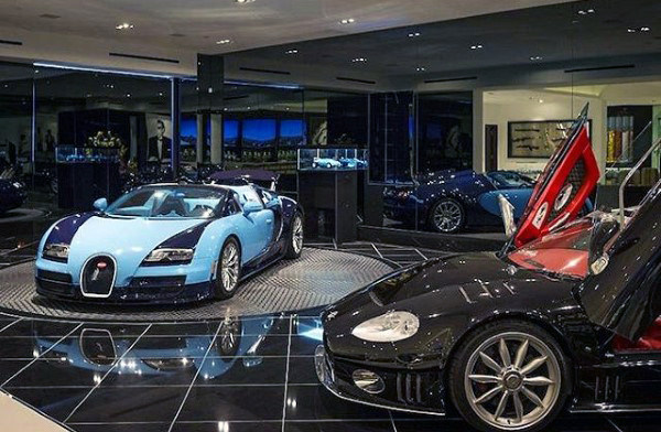 Beautiful Dream Garage di Rumah Dengan Veyron