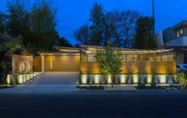 Moderne Home Cool Driveway Lighting Design Ideas
