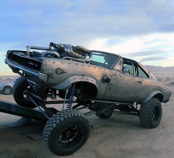 Lifted 4 × 4 Badass Rattenruten